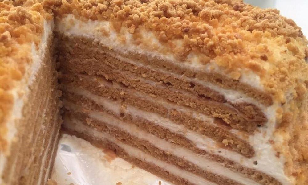 Συνταγή για εύκολη τούρτα με μέλι και γιαούρτι
