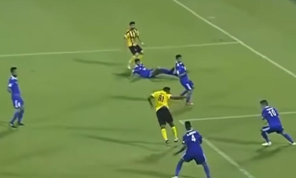 Αδιανόητο γκολ από τον 37αρη Ετό! (video)