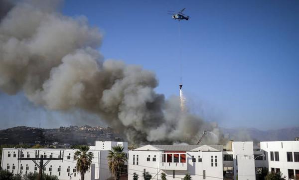 Πύρινη κόλαση στο Πανεπιστήμιο Κρήτης - Μεγάλες καταστροφές στο κτήριο (photos+videos)