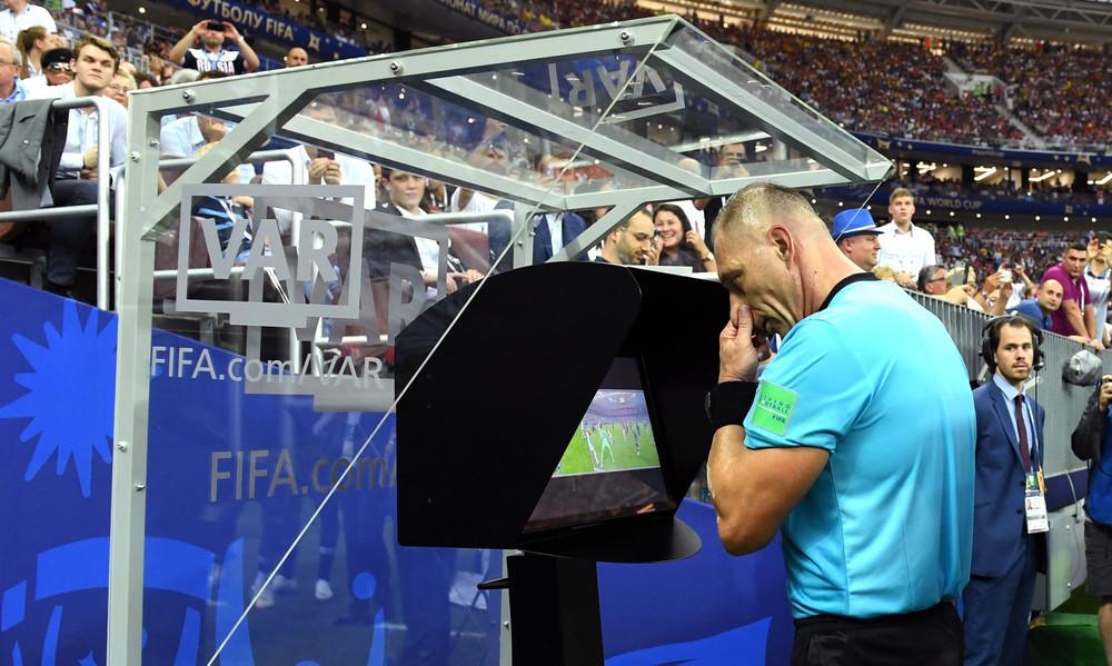 UEFA: Μπαίνει το VAR στο Champions League