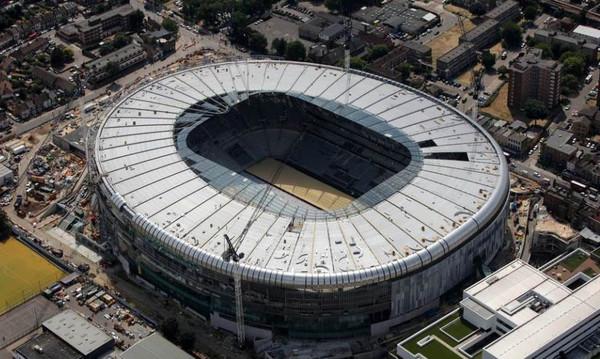Αγγλία: Τα Χριστούγεννα στο νέο της γήπεδο η Τότεναμ (photos)