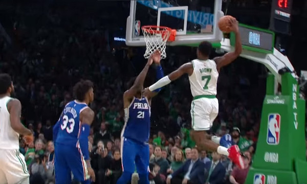 NBA: Κάρφωμα με ταμπλό στο πρώτο Top 5 της σεζόν (video)