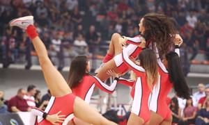 Ολυμπιακός – Αρμάνι Μιλάνο: Τα… καυτά «ερυθρόλευκα» κορίτσια (photos)