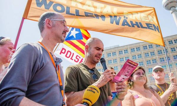 Επίσκεψη Γκουαρντιόλα στους φυλακισμένους ηγέτες της Καταλονίας