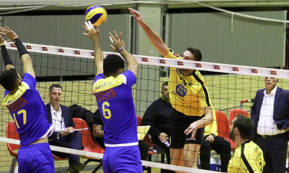 Volley League: Πέρασε από τη Σύρο η ΑΕΚ