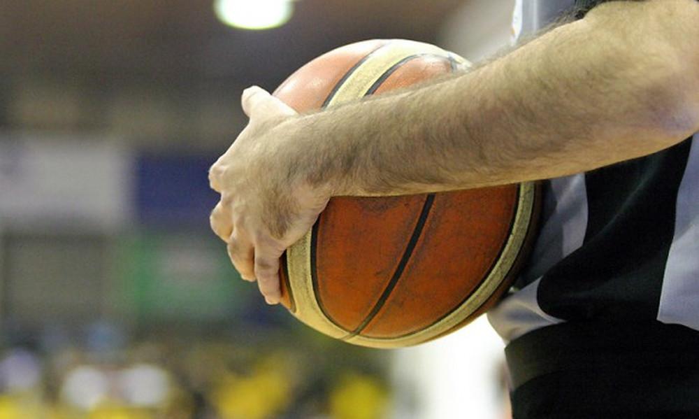 Basket League: Αυτοί σφυρίζουν στο Άρης-ΑΕΚ