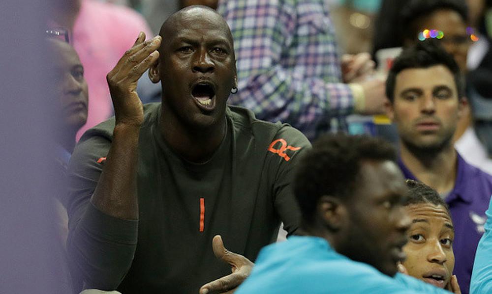 NBA: Φάπες του Τζόρνταν σε παίκτη του! (vid)