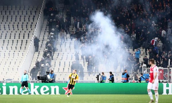 ΑΕΚ: Περιμένει την «καμπάνα» της UEFA