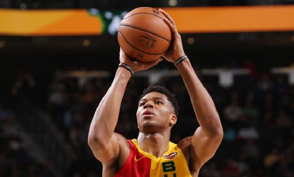 NBA: Έχει πάρει από το χεράκι τους Μπακς ο Γιάννης (vid)