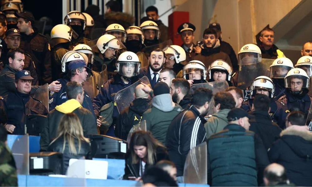 ΑΕΚ-ΠΑΟΚ: Ένταση και μπουκάλια στο μπουθ που ήταν ο Γιώργος Σαββίδης! (photos)