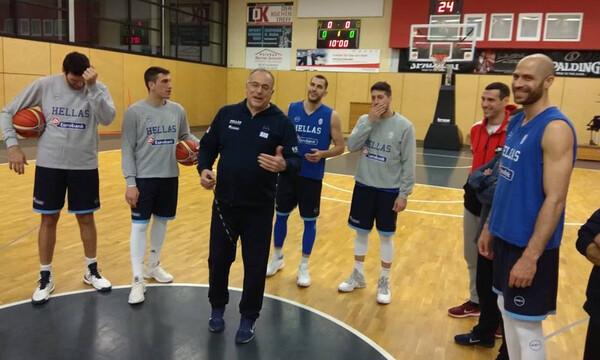 Εθνική μπάσκετ: Προπόνηση με… Ζήση (photos)
