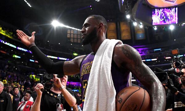 NBA: Λεμπρόν Τζέιμς και… πτήσεις στο σημερινό Top-10! (video)