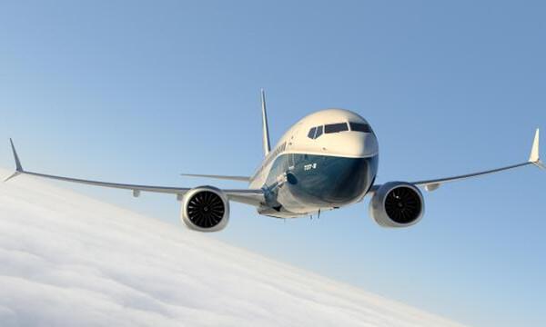 Τρόμος στον αέρα: Αναγκαστική προσγείωση για Boeing 737 λόγω βλάβης στον κινητήρα
