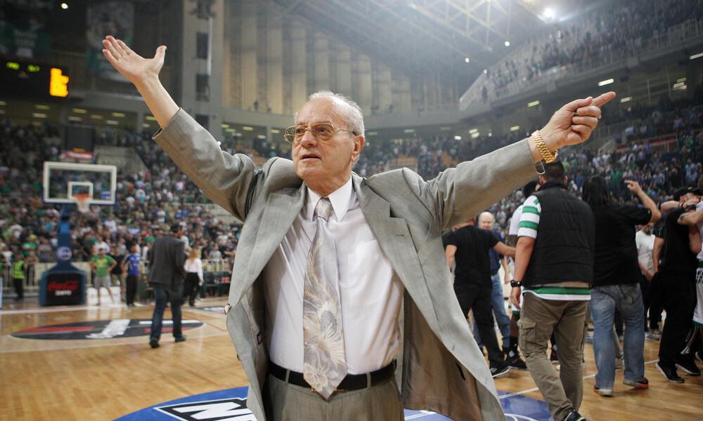 FIBA: «Το μπάσκετ πενθεί την απώλεια του Θανάση Γιαννακόπουλου»