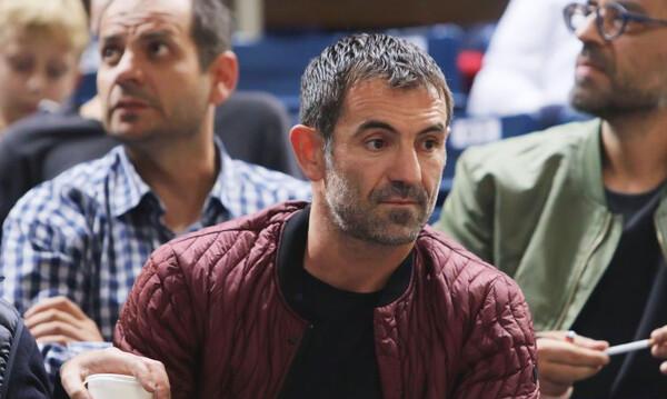 Ο Γιώργος Καραγκούνης στο «ύστατο χαίρε» στον Θανάση Γιαννακόπουλο (photo)