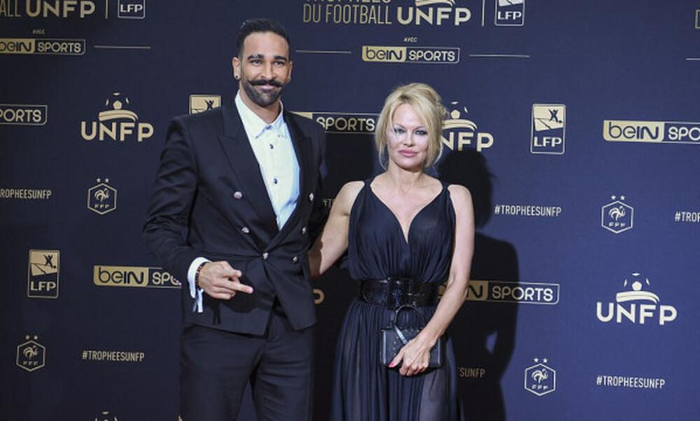 Ο Αντίλ Ραμί απάντησε στις κατηγορίες της Πάμελα Άντερσον: «Δεν κάνω διπλή ζωή»