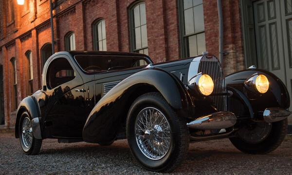 Με την Bugatti Type 57C ταξιδε?ει? στο μακριν? '37